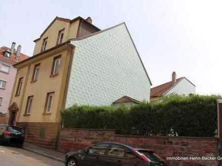 +++Stattliches 4-Familienhaus oder Wohn-und Geschäftshaus mit Garage, Carport, Balkone, Garten im...