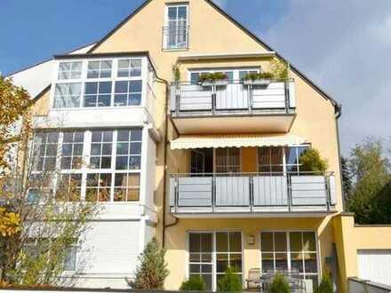 Traumhaft schöne 4-Zimmer-Eigentumswohnung mit 2 Balkonen in kleinem Mehrfamilienhaus in Dachau
