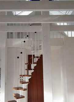 kleines Paradies: 2 Zi. Dachgeschoss-Galeriewohnung mit Balkon