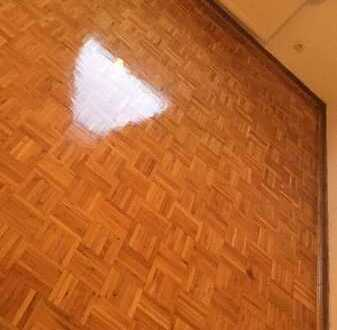 Helles, geräumiges WG-Zimmer zu vermieten :-)