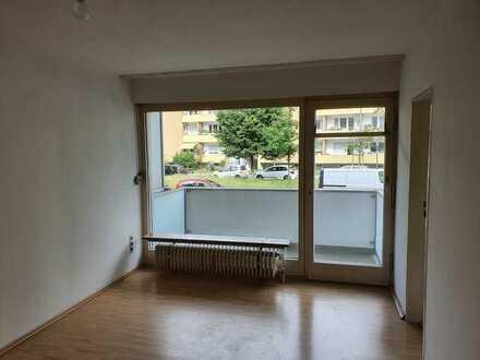 Gepflegte 1-Raum-Wohnung mit Balkon und EBK in München-Laim