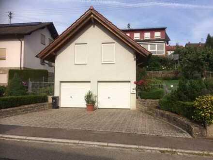 Schöne, geräumige ein Zimmer Wohnung in Neckar-Odenwald-Kreis, Billigheim