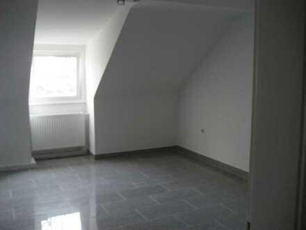 Gepflegte 2-Raum-Dachgeschosswohnung mit Einbauküche in Aachen