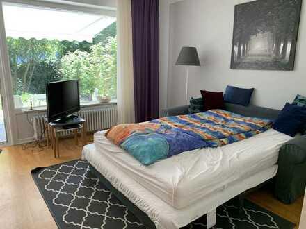 Neuwertig möblierte 1-Zimmer-Erdgeschoss-Wohnung mit Garten in Alt-Solln