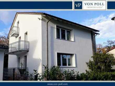 Aparte Zweizimmerdachgeschosswohnung mit Balkon - möbliert