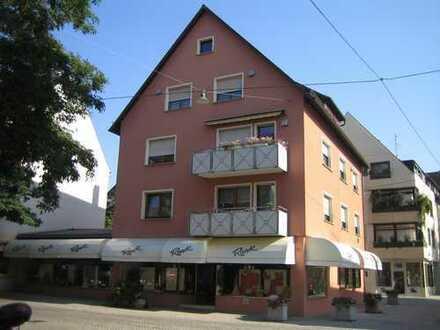 Vollständig renovierte 4-Zimmer-Wohnung mit Balkon und Einbauküche in Ulm