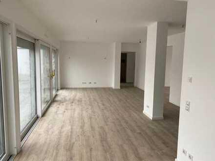 Lichtdurchflutete und seniorengerechte Dachgeschosswohnung mit 150 m²