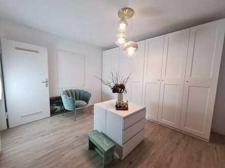 RESERVIERT!!! Zwei attraktive Wohnungen+separater Eingang+hellen Räumen in Mülheim a.d. Ruhr Broich