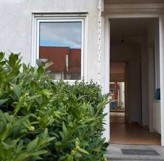 Die eigenen vier Wände: Reihenmittelhaus in Elxleben a. d. Gera * leer * renovierungsbedürftig