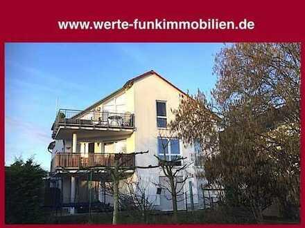 Großzügig und markant! Schicke Balkonwohnung mit modernem Studiocharakter in ortsrandnaher Lage