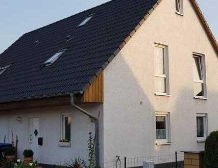 Schöne Doppelhaushälfte mit fünf Zimmern in Berlin, Französisch Buchholz (Pankow)