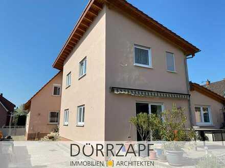 Lingenfeld: 2 Einfamilienhäuser auf tollem Grundstück