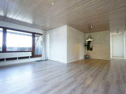 Renovierte, helle 3,5 Zimmer-Eigentumswohnung mit Loggia und TG-Stellplatz