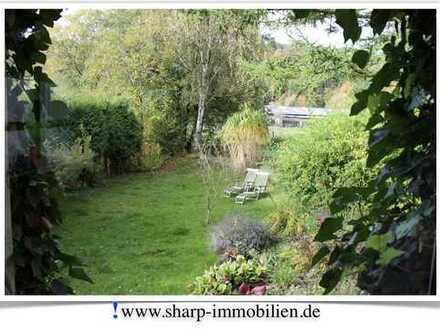WERDEN: Garten- und Altbauliebhaber gesucht! 3 Zimmer EG-Wohnung mit Garten.