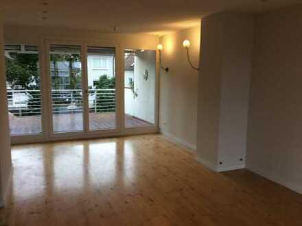Schöne, geräumige vier Zimmer Wohnung in Hochtaunuskreis, Bad Homburg vor der Höhe