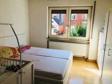 Schöne, geräumige zwei Zimmer Wohnung in Stuttgart, Süd