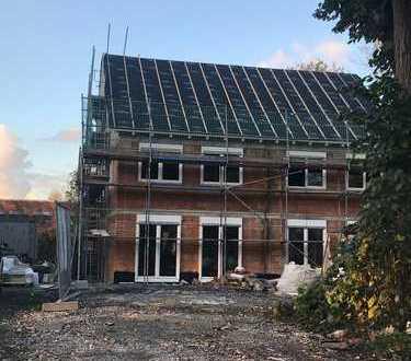 Süd Lage in Schüren: in ruhiger Wohnlage ensteht als Doppelhaus mit viel Wohnraum