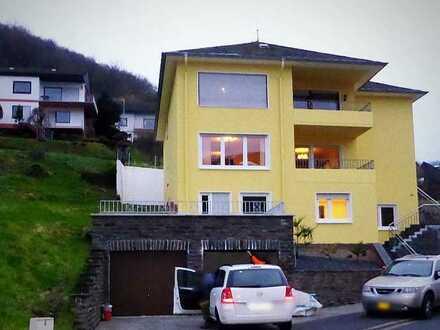 Panorama-Wohnung mit Freisitz - Vollmöbiliert