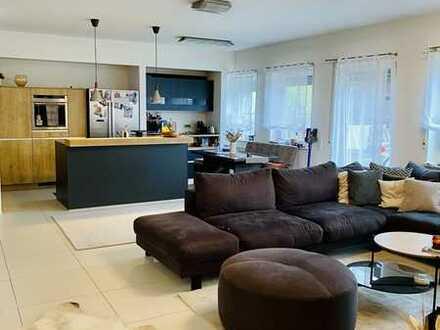 Exklusive 4-Zimmer Wohnung mit traumhafter *115 qm Terrasse*