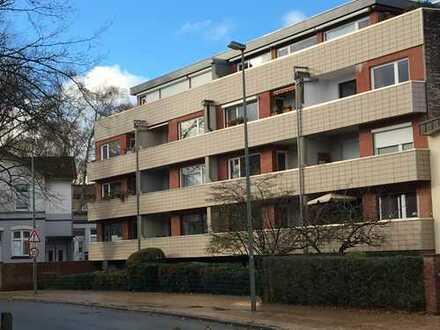 +++Reserviert+++ Gepflegte 3-Zimmer-Wohnung mit Balkon und Einbauküche in Neumünster, Innenstadt