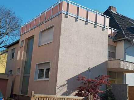 Sanierte 3,5-Raum-Wohnung mit Terasse und Einbauküche in Ginsheim-Gustavsburg