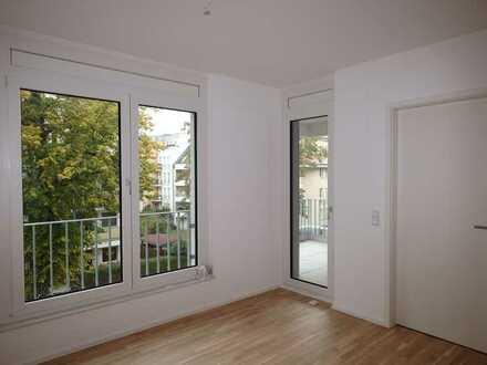 Erstbezug: schöne 2-Zimmer-Wohnung mit EBK und Balkon in Niederschönhausen (Pankow), Berlin