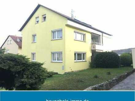 Sehr gepflegtes Dreifamilienhaus mit zwei freien Wohnungen. Ideal für Anleger und Eigennutzer.