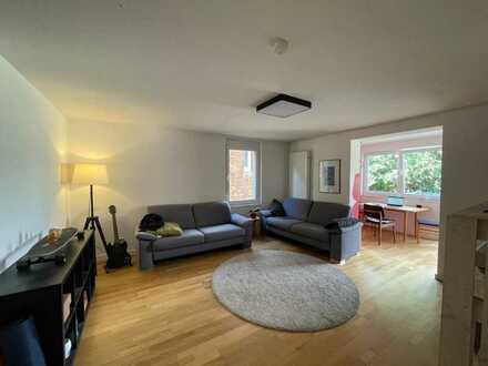 Tolle 80 qm große 3,5 Zimmer Wohnung inkl. ruhigem Balkon Richtung Garten in Stuttgart-Ost