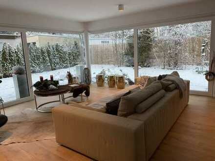 Neuwertiges, geräumiges Haus mit sieben Zimmern in München, Bogenhausen