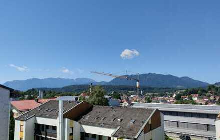 In Bad Tölz: Gepflegte Maisonette-Wohnung mit drei Zimmern und zwei Balkonen