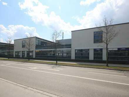 Hochwertige Praxis-/Büroflächen mit Lift in attraktivem Bürogebäude.