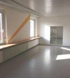 Praxis-, Ausstellungs- und Büroräume in Stadtnähe