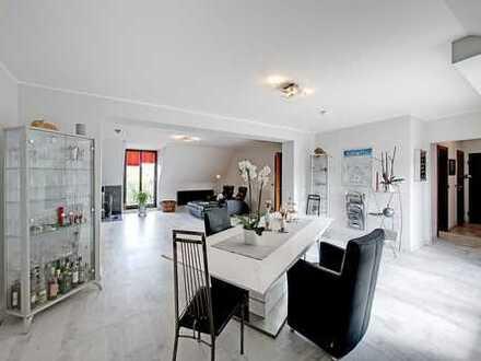 Offen geschnittene Zweizimmerwohnung mit Süd/West-Balkon und TG-Stellplatz