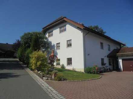 Hochwertiges Ein- Zweifamilienhaus mit großzügigen Wohnraum * Stadtteil von Hof