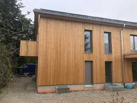 Rarität-Erstbezug in Haus in ökologsicher Massivholzbauweise