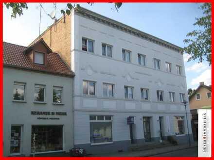 Burg-Zentrum: Viel Platz für wenig Geld - helle & großzügige 3-Zimmerwohnung mit Einbauküche
