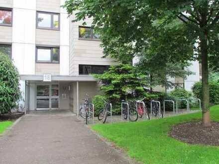 Helle und renovierte 4-Zimmer-Wohnung mit Terrasse in Haidhausen
