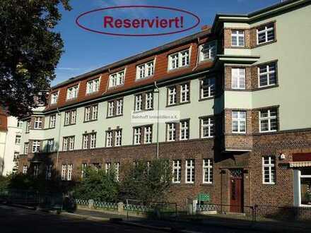 *Reserviert!* - Beliebte Wohnlage! Im denkmalgeschützten Altbau! Vermietete 3-Zimmer-Wohnung im EG!