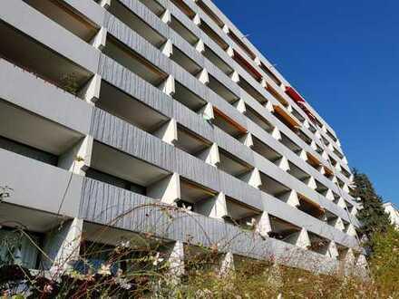 Gepflegte 2-Zimmer-Hochparterre-Wohnung mit Balkon und Einbauküche in Stutensee