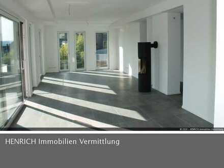 Exklusive Etagenwohnung mit großer Terrasse, 2 Balkonen, Aufzug, Kamin und TG-Stellplatz