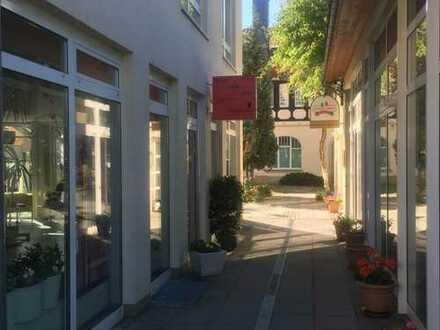 Friseursalon, komplett ausgestattet, ebenerdig, in Einkaufszone Radebeul-West, nähe Bahnhof