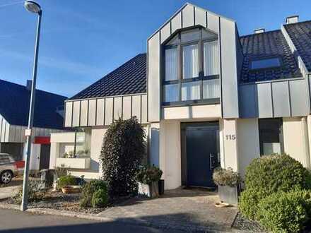 Exklusive Doppelhaushälfte in bevorzugter, ruhiger Wohnlage