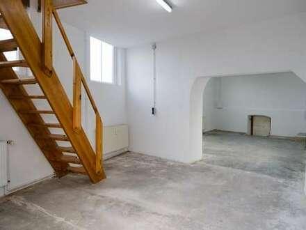 Büro mit Lagerfläche über 2 Ebenen in Halle