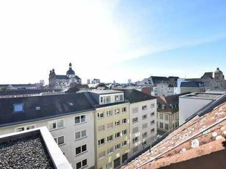 Möbliertes Cityapartment mit Blick über die Stadt