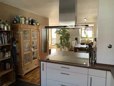 Ideal auch für Münchenpendler: Schöne 5 Zimmer Dachgeschoss Wohnung in zentraler Lage in Mering