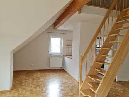 Schöne Dachgeschosswohnung mit Galerie in Goldbach