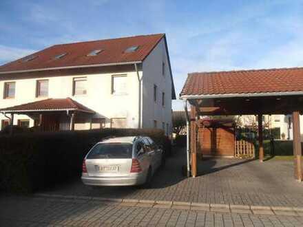 renovierte Doppelhaushälfte in Bindlach frühestens 01.09. oder nach Absparache frei