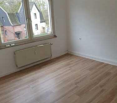 Erstbezug nach Sanierung: freundliche 2,5-Zimmer-Wohnung . Am Landschaftspark