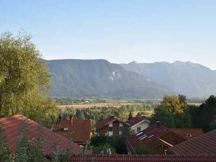 Rarität: Besonders reizvolle Dachgeschoßmaisonettewohnung mit phantastischem Alpenpanoramablick