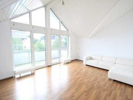 Lichtdurchflutete 2,5 Zimmer Traumwohnung im Loft-Style mit großem Süd-West Balkon